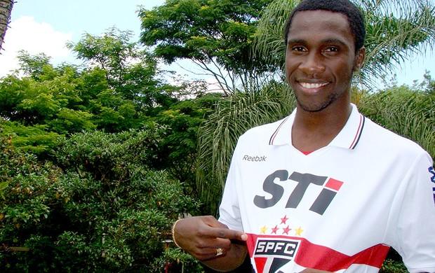Negueba apresentado no São Paulo (Foto: Divulgação / Site Oficial do São Paulo)