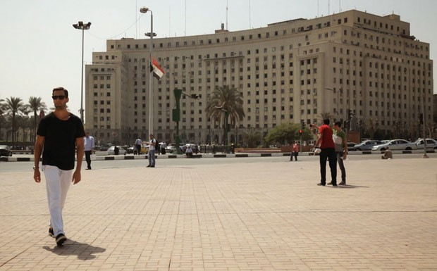 Pedro Pelo Mundo - Ep. 1 - Servio - Praa Tahrir (Foto: Reproduo / GNT)