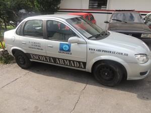 Carro da escolta não tinha marca de tiros. (Foto: Pedro Carlos Leite/G1)