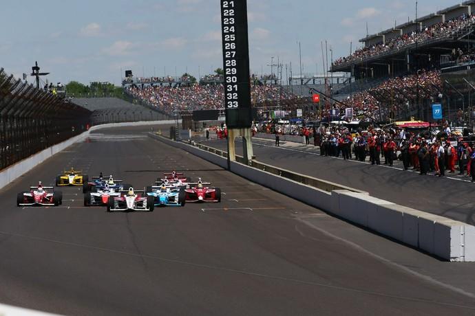 Luiz Razia em etapa no oval de Indianápolis na Indy Lights (Foto: Divulgação)