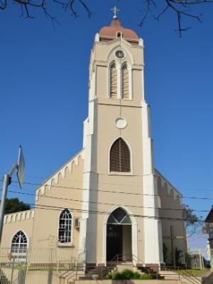 A matriz São João Batista é a igreja mais antiga da cidade (Foto: Fabiula Wurmeister / G1)