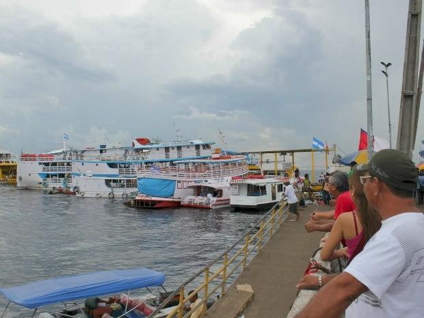 Barcos saem de Manaus em direção a Parintins (Foto: Tiago Melo/G1 AM)