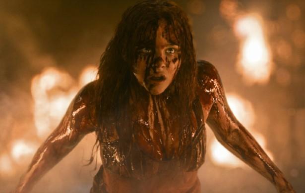 A atriz de 17 anos Chloë Grace Moretz não usa dublês. Na dúvida, não mexa com 'Carrie, a Estranha' (2013). (Foto: Divulgação)