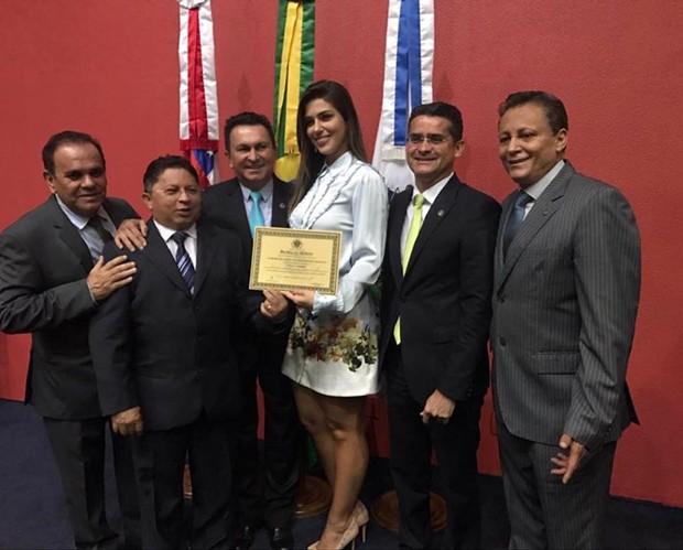 Vivian Amorim na Assembleia (Foto: Reprodução/Instagram)