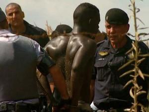 Suspeitos são presos após roubo a guardas municipais em Campinas (Foto: Vaner Santos / EPTV)