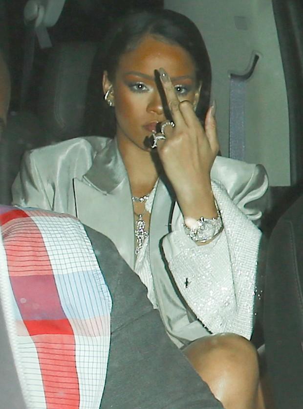 Rihanna em Los Angeles, nos Estados Unidos (Foto: AKM-GSI/ Agência)