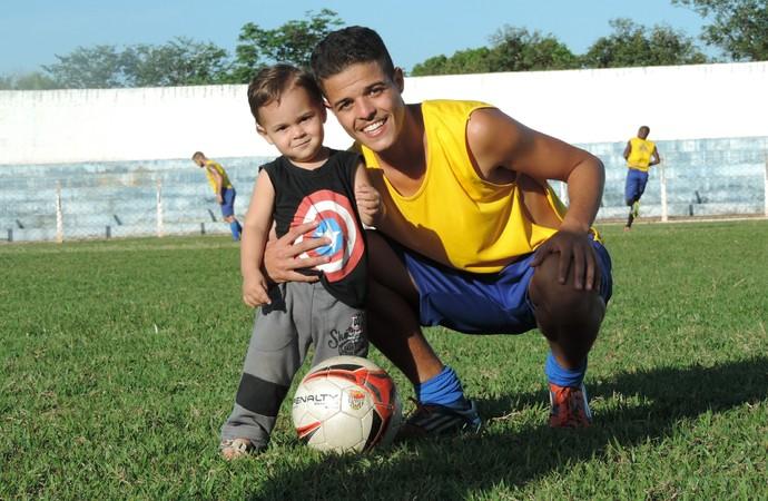 Thiago, volante, Osvaldo Cruz, Azulão, Davi (Foto: Murilo Rincon / GloboEsporte.com)