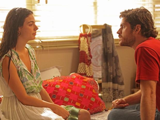 Depois de ter uma crise de choro, Sandra consegue conversar com Rafael (Foto: Pedro Curi/TV Globo)