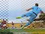 A bola beija a rede: o gol de Diego sobre o Vasco visto por outro ângulo