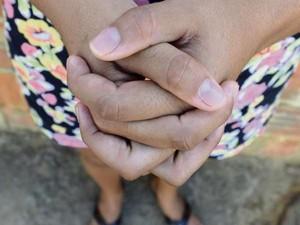 Filha da doméstica que teve o corpo queimado pelo marido afirma que as agressões eram constantes (Foto: Bernardo Coutinho/ A Gazeta)