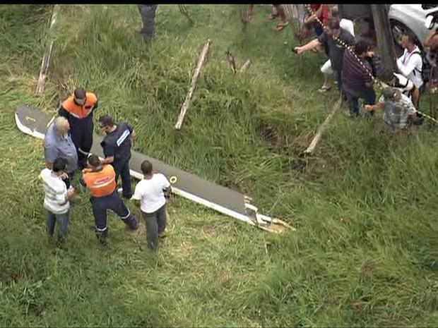 GNews - Pá do helicóptero pode ter se desprendido durante voo (Foto: Reprodução/GloboNews)