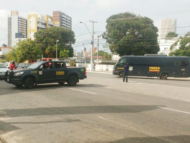 Policiais da Força Nacional saíram da Academia de Polícia Militar e iniciaram patrulhamento nas ruas de Natal   (Foto: Ítalo Di Lucena/Inter TV Cabugi)