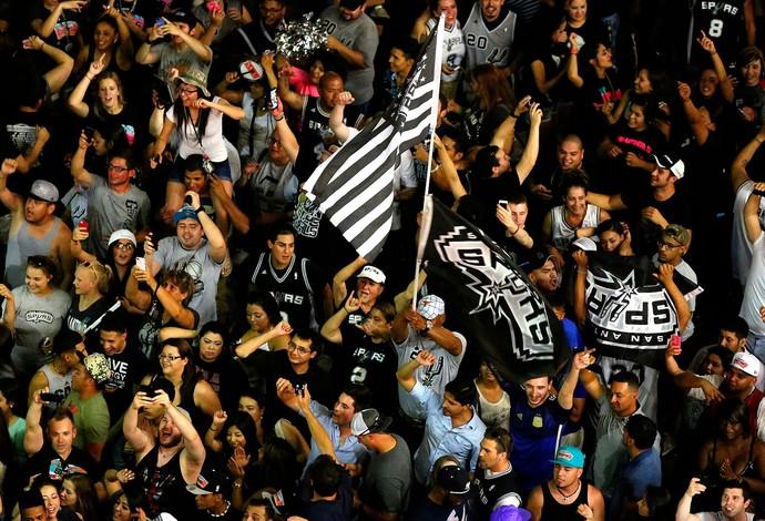 festa torcida san antonio spurs campeão do NBA (Foto: Agência AP)