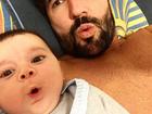 Sandro Pedroso faz careta engraçada com o filho na web