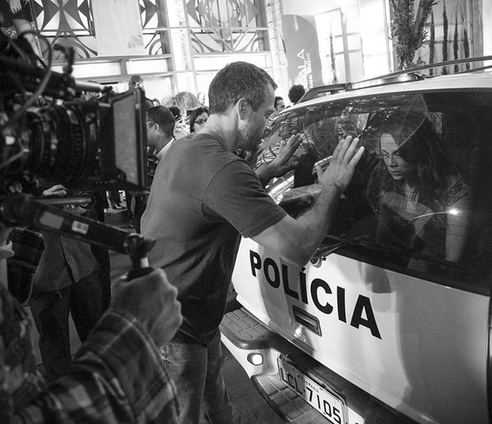 Malvino e Mariana em ação para cena de Apolo e Tancinha (Foto: Raphael Dias/Gshow)