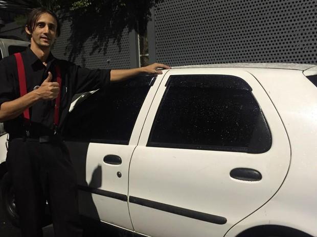 Mark Silva vai tentar quitar seu carro com as gorjetas da Olimpíada (Foto: Patricia Teixeira/G1)