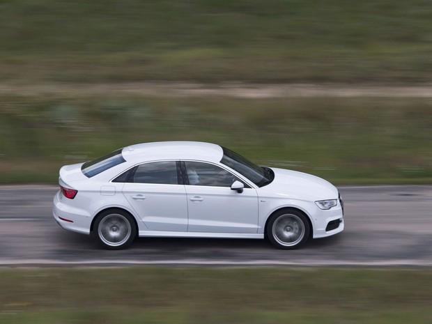 Audi A3 Sedan tem design diferenciado pelas linhas retas (Foto: Divulgação)