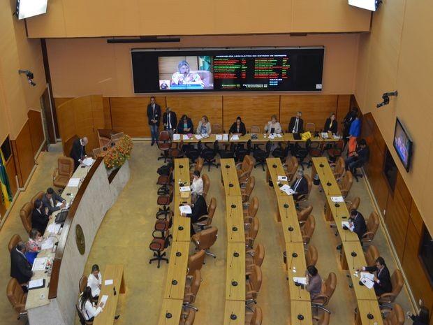 Plenário ficou vazio no início do pequeno expediente  (Foto: Tássio Andrade/G1)
