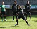 Celso Roth faz mistério e testa Roni no lugar de Jajá para enfrentar o Inter