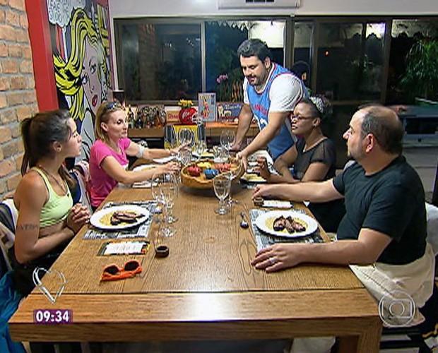 Jantar Esportivo do Igor teve bruschettas, risoto e brownie de sobremesa (Foto: Mais Você/TV Globo)