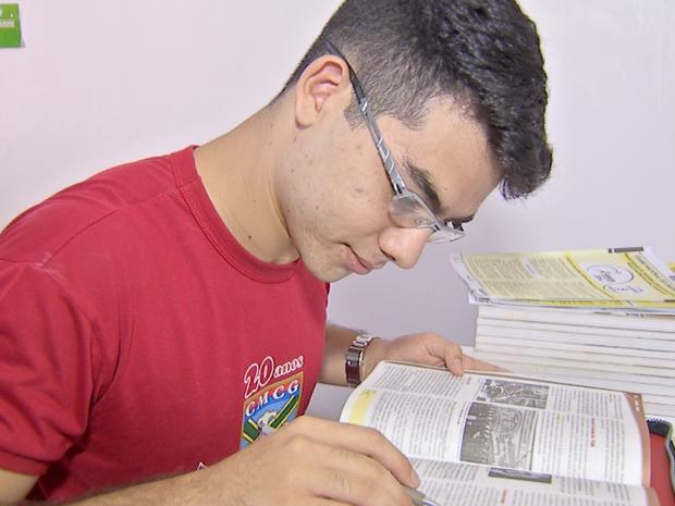 Estudante de Campo Grande obteve nota 1000 na redação do Enem (Foto: Reprodução/TV Morena)