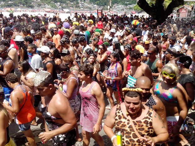 Ba-Bahianas reuniu centenas de foliões em São Vicente, SP (Foto: Secretária de Cultura de São Vicente / Divulgação)