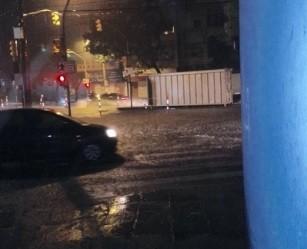 Pancadas de chuva geraram acúmulo de água em alguns pontos (Foto: Divulgação/EPTC)