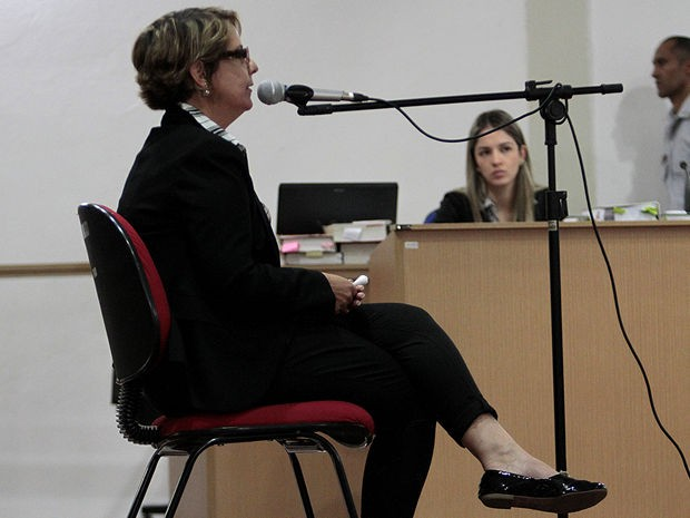 Raquel Brunini, irmã de Rivelino Brunini, declarou durante júri que irmão foi ganancioso (Foto: TJ-MT)