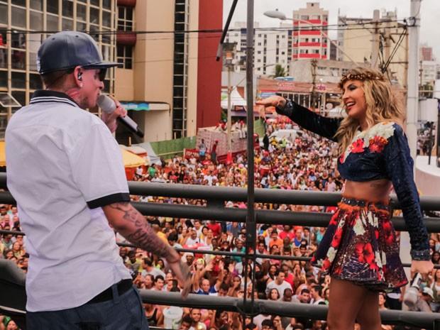Claudia Leitte e MC Guimê (Foto: Robson Senne/AgNews)