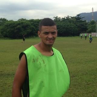 Robson, volante do Real Cubatense (Foto: Victor de Andrade / CA Real Cubatense)