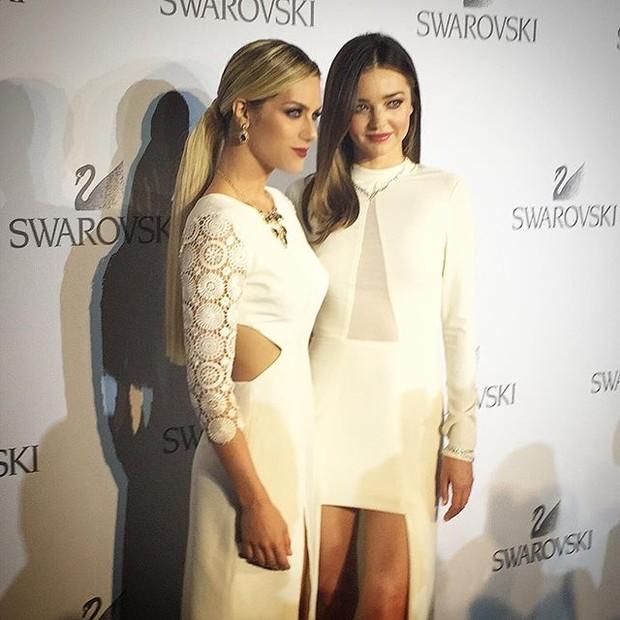 Giovanna Ewbank e Miranda Kerr em evento em Insbruque, na Áustria (Foto: Instagram/ Reprodução)