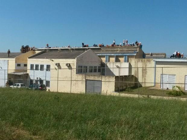 Detentos reclamam da alimentação, higiene e estrutura da unidade (Foto: Argeu Almeida/ RPCTV)