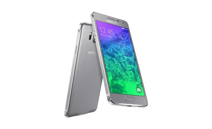 Samsung prepara ao menos três novos smartphones com design todo em metal, como no Galaxy Alpha (Foto: Divulgação/Samsung)