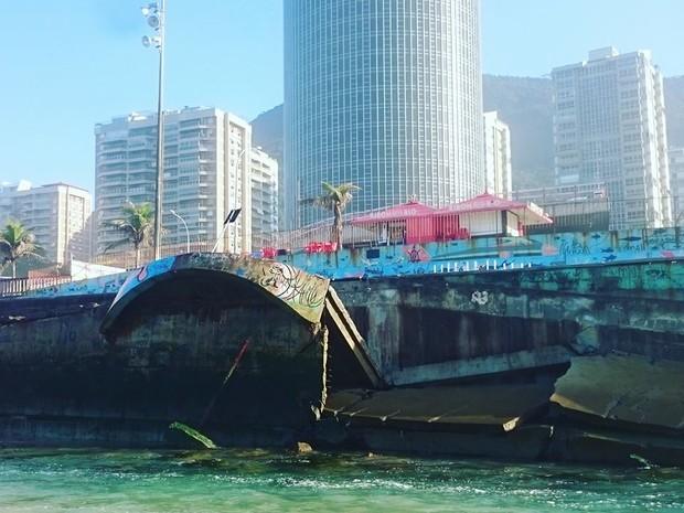 Rampas na Praia de São Conrado foram destruídas pelo mar (Foto: Divulgação / Salvemos São Conrado)