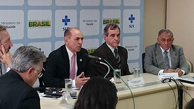 O ministro Marcelo Castro anuncia parceria com os EUA em entrevista coletiva (Foto: Mateus Rodrigues/G1)
