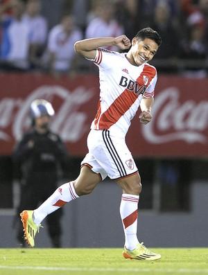Teofilo Gutierrez comemora gol do River Plate contra o Belgrano (Foto: Agência AFP)