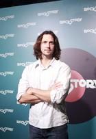 Vladimir Brichta canta muito e sem playback na festa de 'Rock Story'