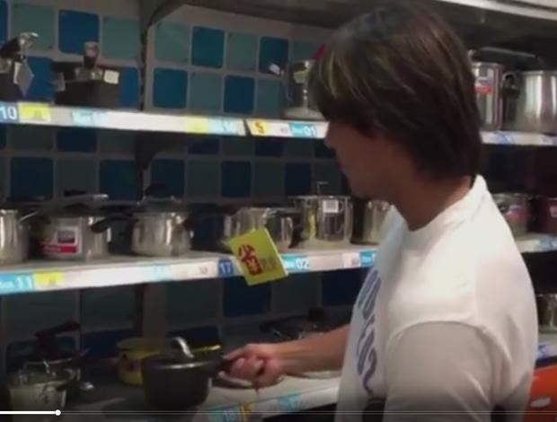 BLOG: Marcelo Moreno se vira para comprar panelas em chinês; confira