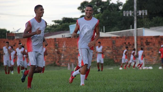 Jô e Cristian Santos durante treino do Rio Branco-AC no CT José de Melo (Foto: João Paulo Maia)