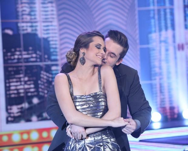 Juliana Paiva se apresenta ao ritmo de foxtrote (Foto: Carol Caminha/TV Globo)
