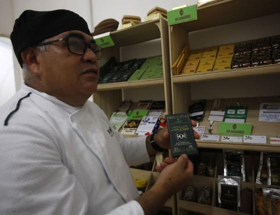 Cesar de Mendes pesquisa novas espécies de cacau para produzir chocolates típicos da Amazônia (Foto: Arquivo Pessoal / Mateus Mendes)