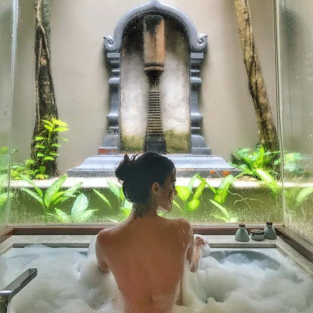 Topless de Thaila Ayala (Foto: Reprodução/Instagram)