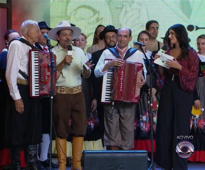 Neto Fagundes e Shana Müller comandaram o programa Buona Gente (Foto: Reprodução/RBS TV)