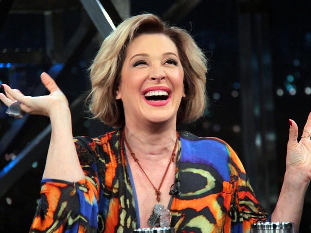 Claudia Raia brilha na pele da exuberante Samantha (Foto: Gshow / TV Globo)