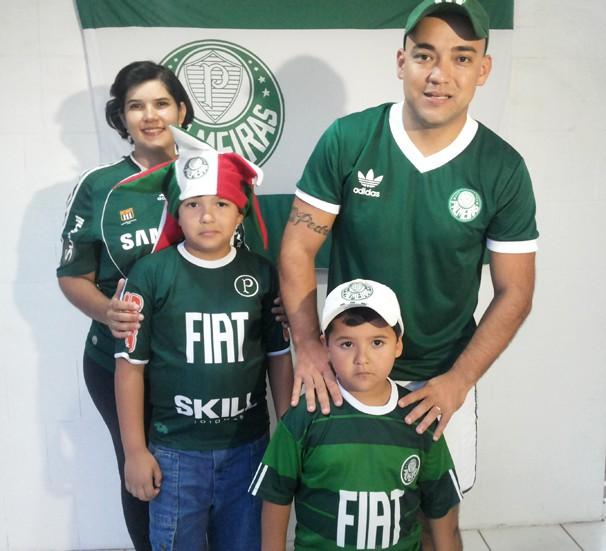 Família Matsuyama, torcedores do Palmeiras (Foto: Márcio Rocha/TV Fronteira)