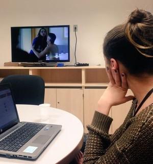 Agatha Moreira concentrada na novela! (Foto: Letícia Souza)