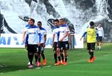 Com time desfalcado, reservas do Timão treinam no campo para decisão