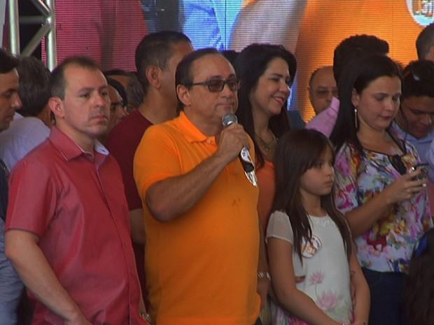 Tin Gomes oficializa a candidatura à Prefeitura de Fortaleza e tem como vice Milton Arruda, do PT do B (Foto: TV Verdes Mares/Reprodução)