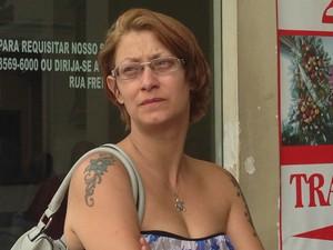 Danielle Monteiro é mãe da jovem atropelada (Foto: Mariane Rossi/G1)