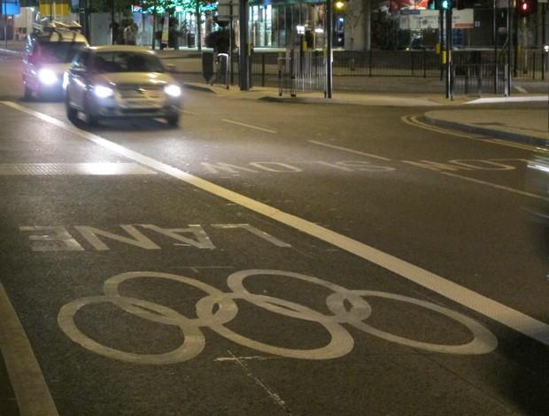 Faixa de trânsito olímpica (Foto: Cahê Mota/Globoesporte.com)